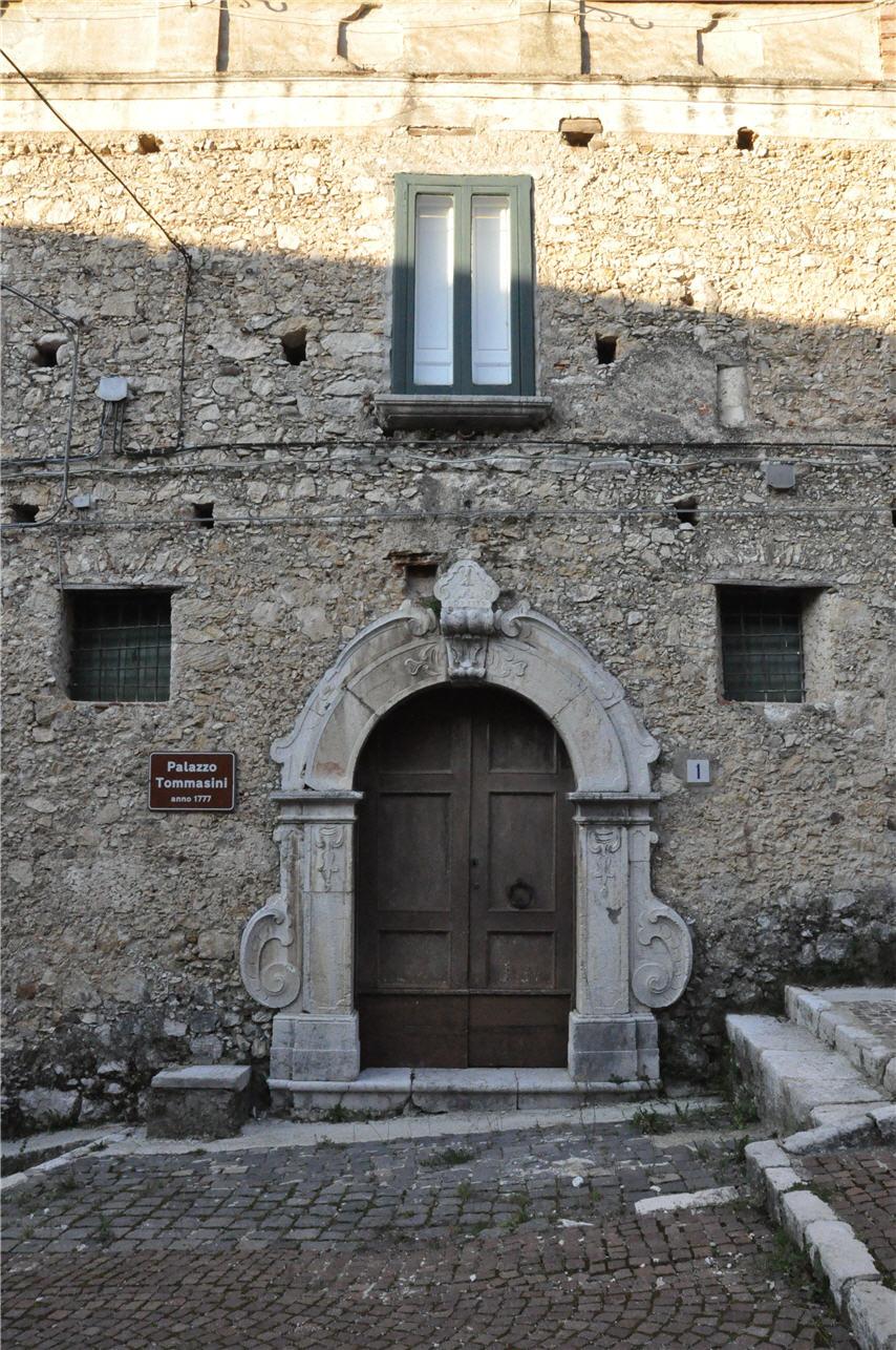 Portale Palazzo Tommasini